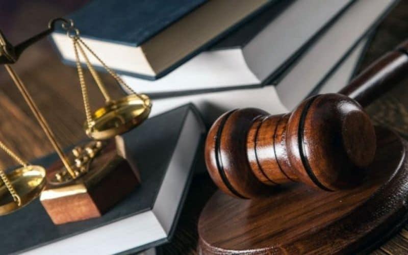 картинка рабочего стола юриста